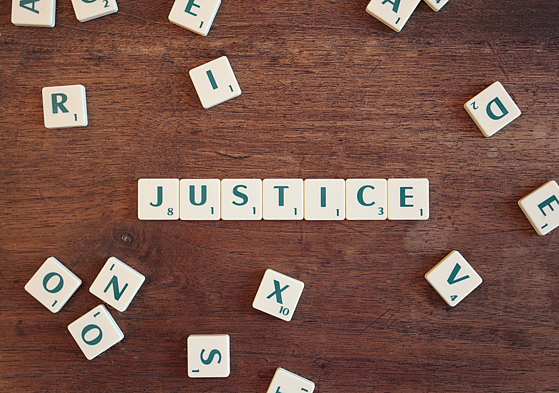justice-2755765_1920